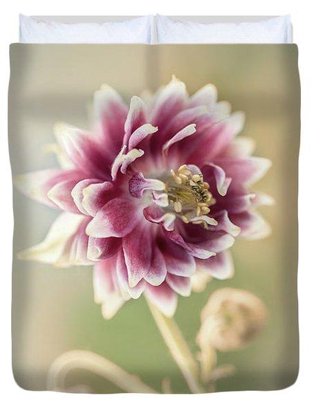 Blooming Columbine Flower Duvet Cover