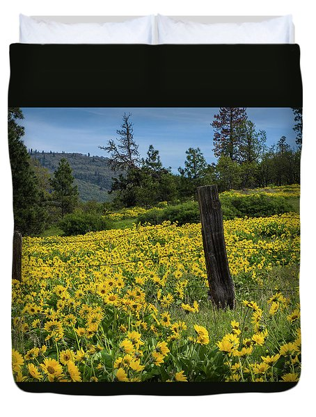 Blooming Fence Duvet Cover