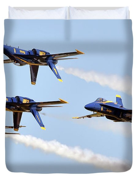 Blue Angels Diamond Performs The Double Farvel During The Defenders Of Liberty Air Show.     Duvet Cover