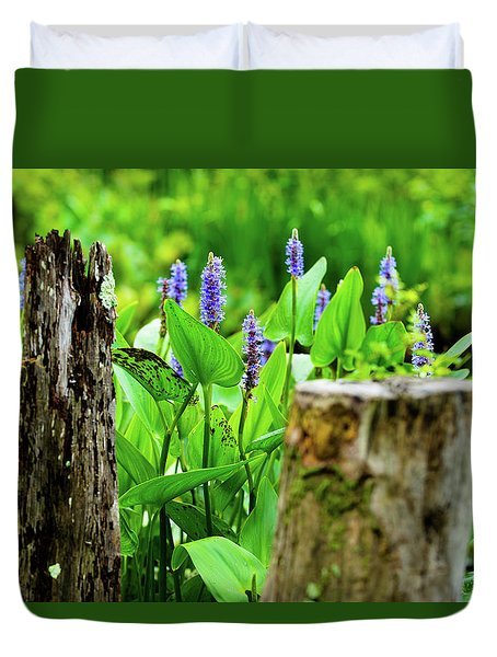 Blue Flowers And Artistic Logs Duvet Cover