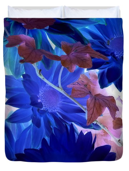 Blue Mums With Purple Ivy Duvet Cover