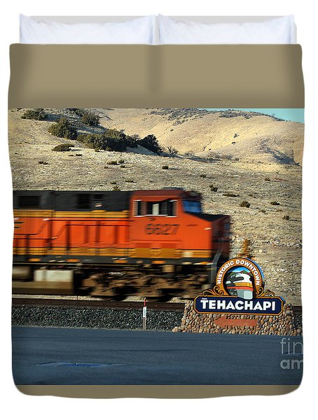 Bnsf Locomotive In Tehachapi Southern California Duvet Cover by Wernher Krutein