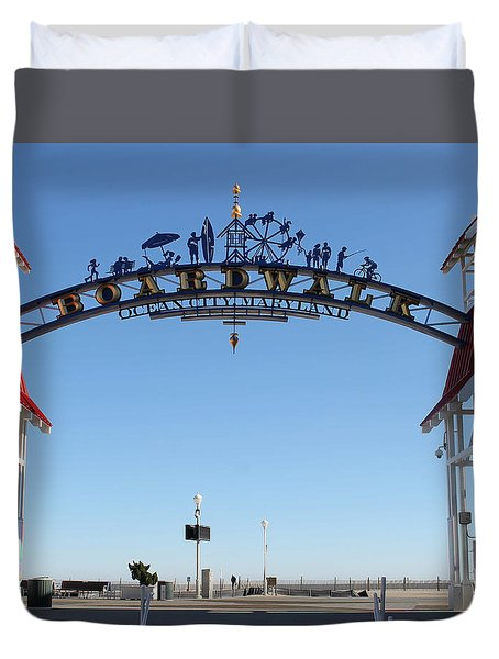 Boardwalk Arch At N Division St Duvet Cover