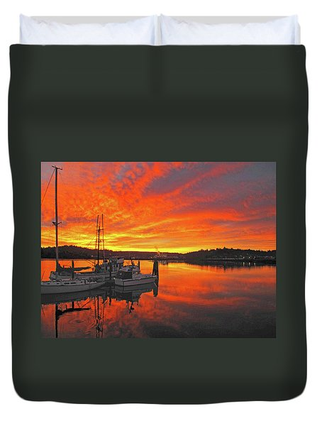 Boardwalk Brilliance With Fish Ring Duvet Cover by Suzy Piatt