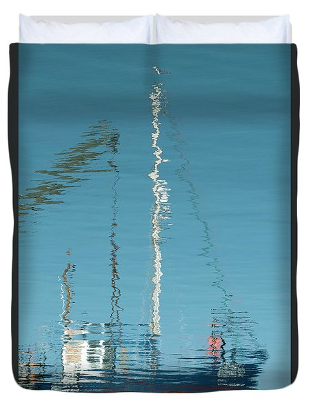 Duvet Cover featuring the photograph Boat Of Ripples by Wendy Wilton