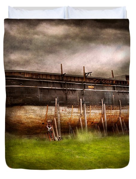 Boat - The Construction Of Noah's Ark Duvet Cover by Mike Savad