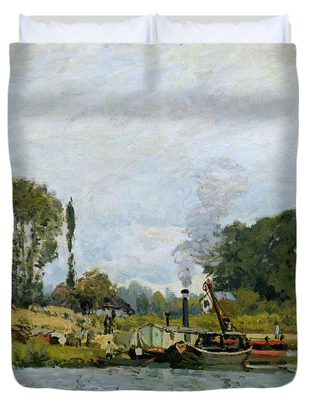 Boats At The Lock At Bougival Duvet Cover by Alfred Sisley