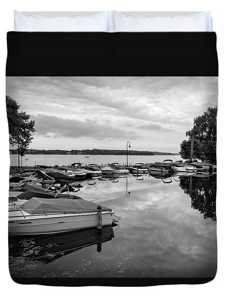 Boats At Wayzata Duvet Cover