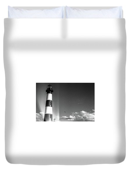 Duvet Cover featuring the photograph Bodie Island Lighthouse by David Sutton