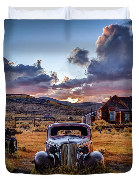 Bodie's 1937 Chevy At Sunset Duvet Cover
