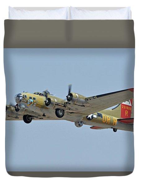 Duvet Cover featuring the photograph Boeing B-17g Flying Fortress N93012 Nine-o-nine Phoenix-mesa Gateway Airport Arizona April 15, 2016 by Brian Lockett