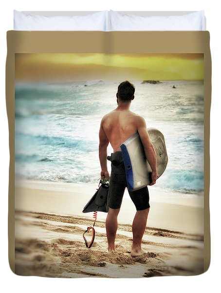Boggie Boarder At Waimea Bay Duvet Cover by Jim Albritton