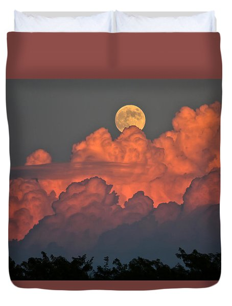 Duvet Cover featuring the photograph Bouncing On Dreams by James Menzies