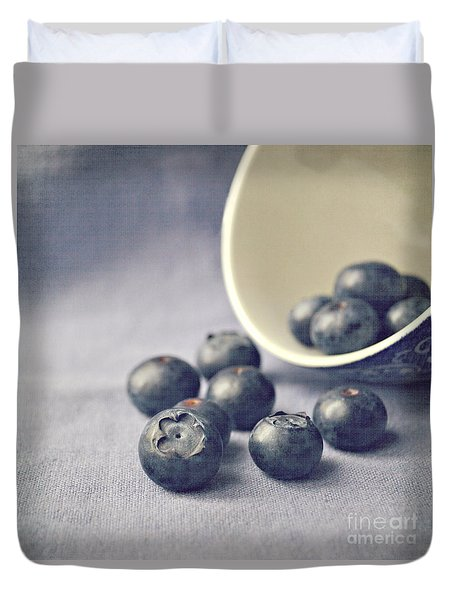 Bowl Of Blueberries Duvet Cover by Lyn Randle