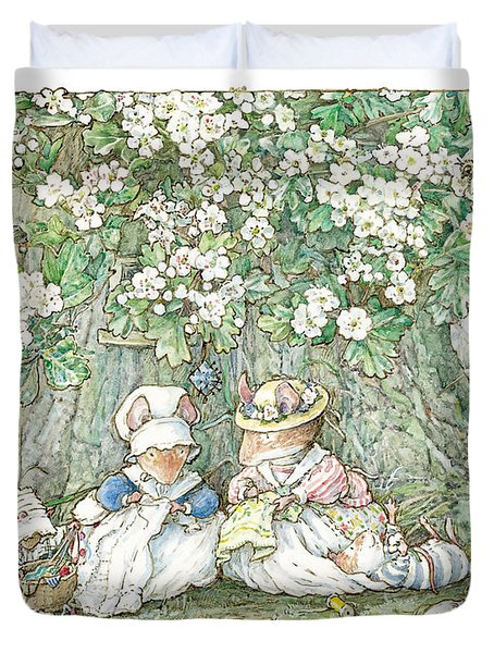 Brambly Hedge - Hawthorn Blossom And Babies Duvet Cover