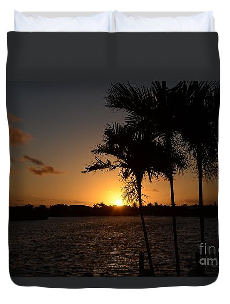 Duvet Cover featuring the photograph Breaking Dawn by Pamela Blizzard