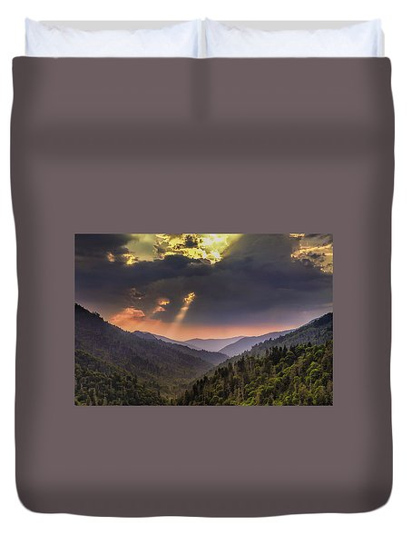 Breaking Thru At Sunset Duvet Cover