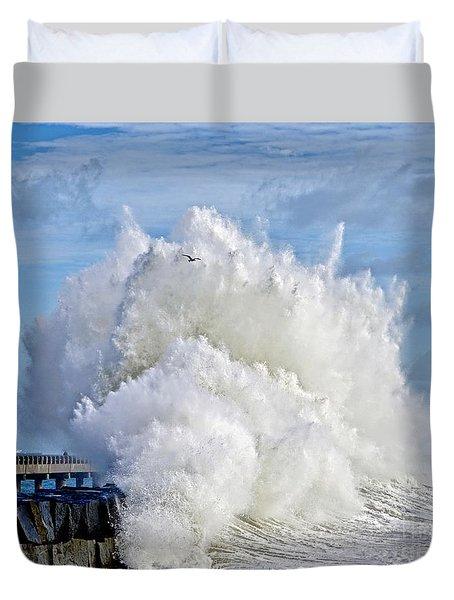 Breakwater Explosion Duvet Cover