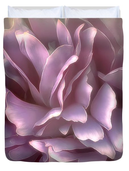 Duvet Cover featuring the photograph Breeze In Deep Pink by Darlene Kwiatkowski