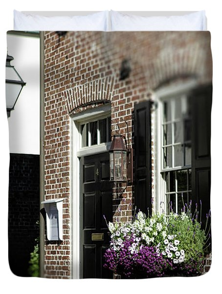 Brick House And Street Lamp Duvet Cover