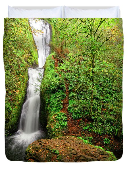 Duvet Cover featuring the photograph Bridal Veil Falls by Jonathan Davison