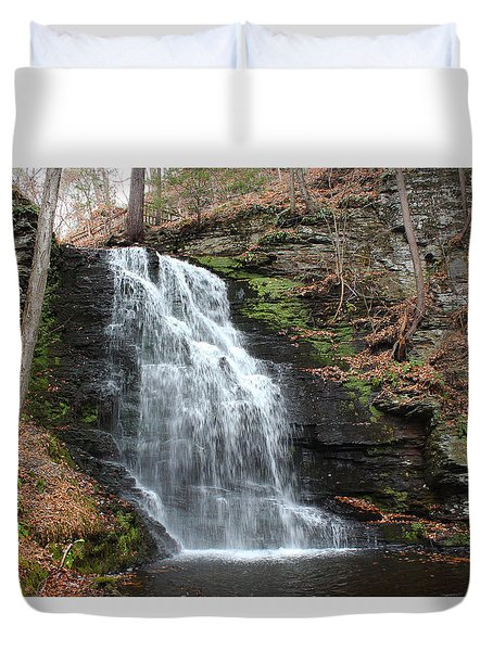 Duvet Cover featuring the photograph Bridal Veil Falls by Linda Sannuti