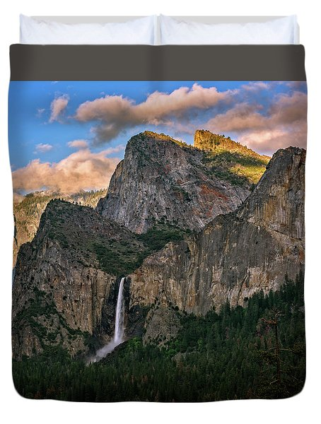 Bridalveil Falls From Tunnel View Duvet Cover