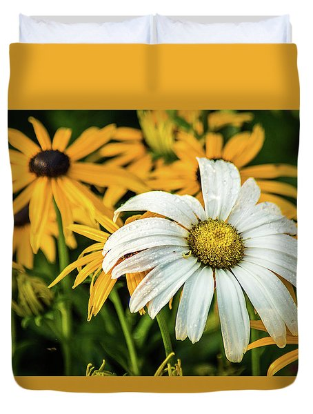 Duvet Cover featuring the photograph Bride And Bridesmaids by Bill Pevlor