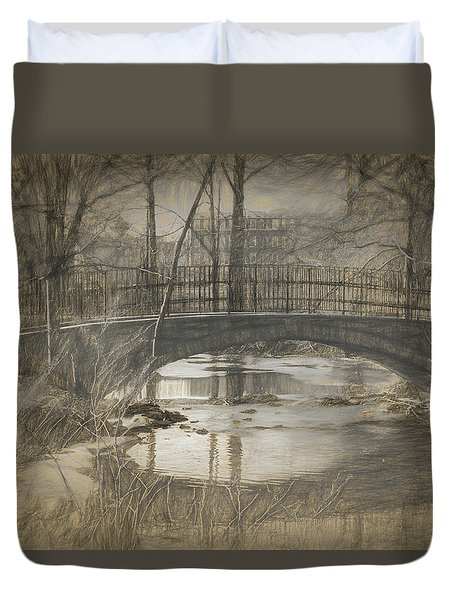 Bridge At The Fens Duvet Cover