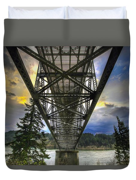 Bridge Of The Gods Duvet Cover by David Gn
