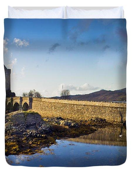 Bridge To Eilean Donan Duvet Cover
