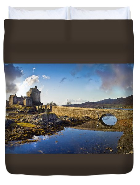 Bridge To Eilean Donan Duvet Cover