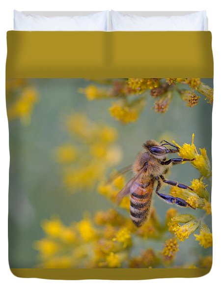 Bright Eyed Bee Duvet Cover