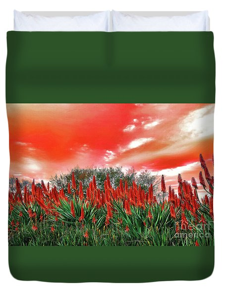 Duvet Cover featuring the photograph Bright Red Aloe Flowers By Kaye Menner by Kaye Menner