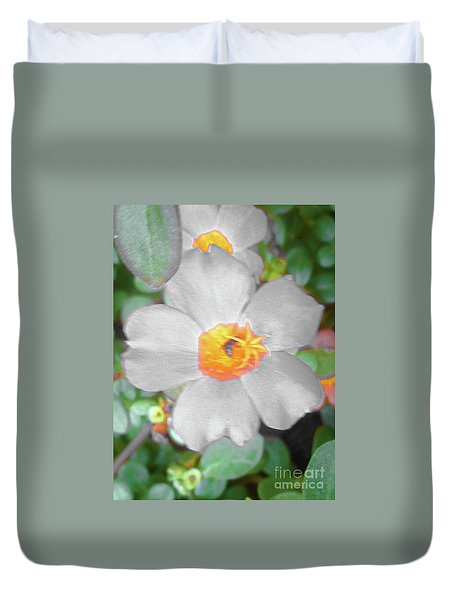 Bright White Vinca With Soft Green Duvet Cover