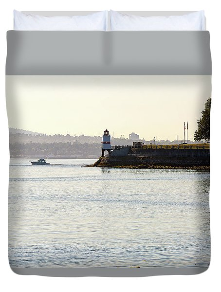 Brockton Point Lighthouse On Peninsula At Stanley Park Duvet Cover by David Gn