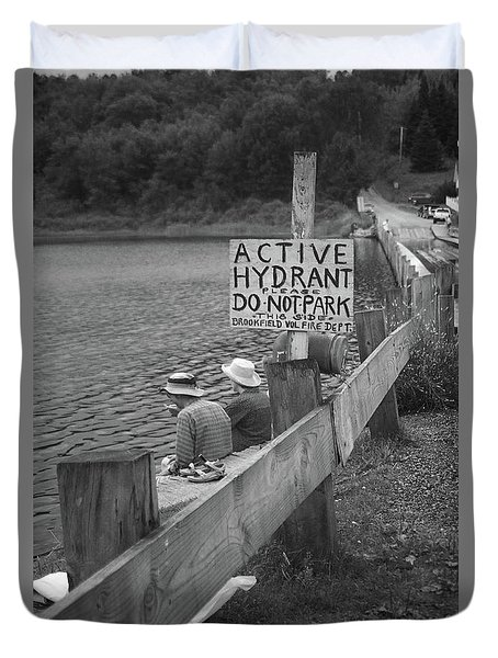 Duvet Cover featuring the photograph Brookfield, Vt - Floating Bridge 4 Bw by Frank Romeo