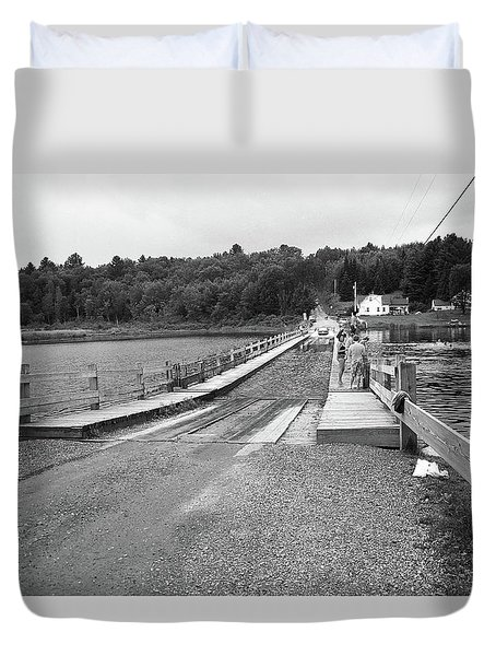 Duvet Cover featuring the photograph Brookfield, Vt - Floating Bridge 5 Bw by Frank Romeo