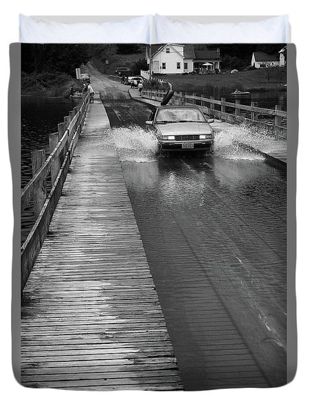 Duvet Cover featuring the photograph Brookfield, Vt - Floating Bridge Bw by Frank Romeo