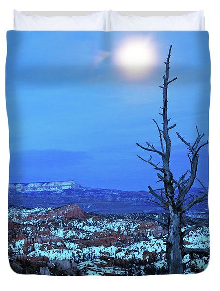 Duvet Cover featuring the photograph Bryce Blue by Nicholas Blackwell
