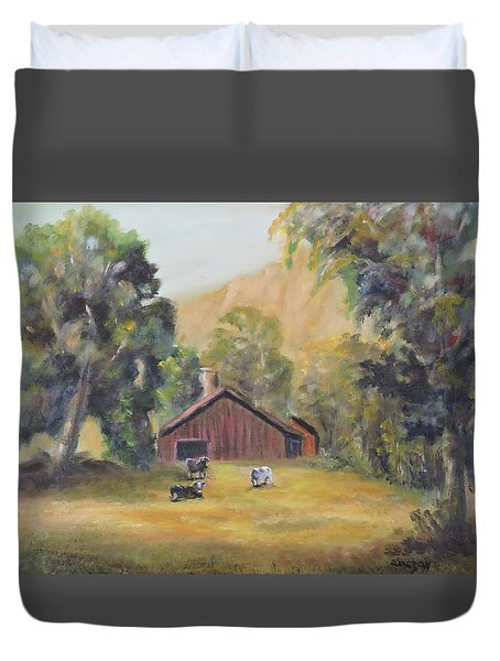 Duvet Cover featuring the painting Bucks County Pa Barn by Katalin Luczay