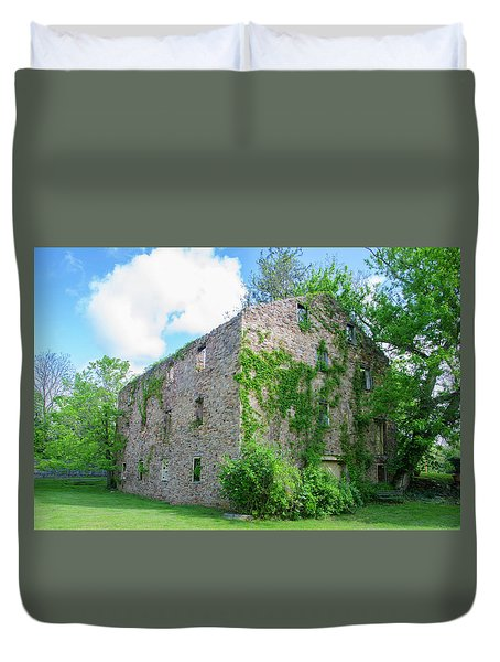 Duvet Cover featuring the photograph Bucks County Pa - Bridgetown Millhouse Ruins by Bill Cannon