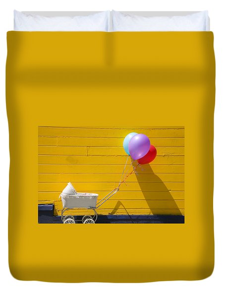 Buggy And Yellow Wall Duvet Cover