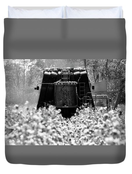 Buggy Chase Duvet Cover