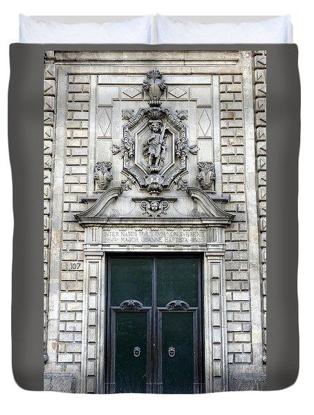 Building Artwork And Old Door In Barcelona Duvet Cover