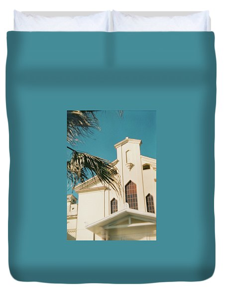 Building Behind Palm Tree In Ostia, Rome Duvet Cover