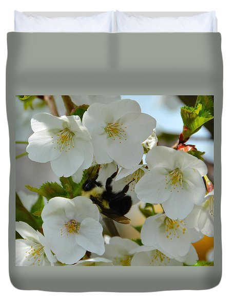 Bumble Bee In Hiding Duvet Cover