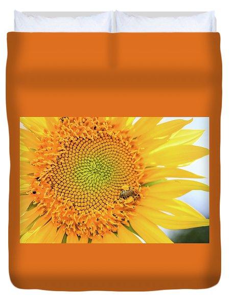 Bumble Bee With Pollen Sacs Duvet Cover