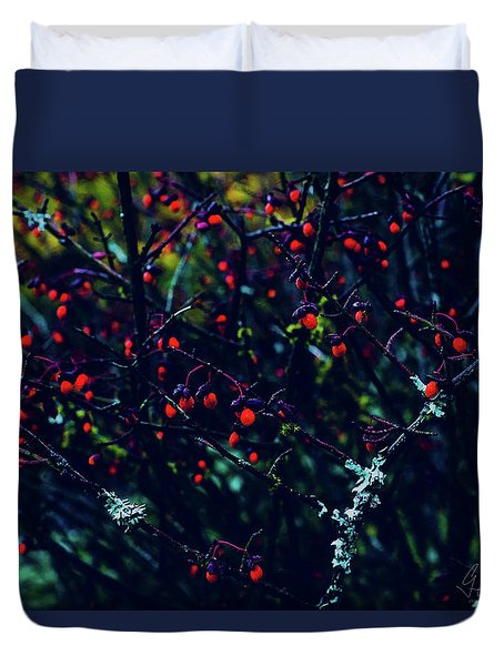 Duvet Cover featuring the photograph Reds by Gene Garnace