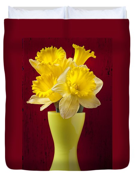 Bunch Of Daffodils Duvet Cover by Garry Gay